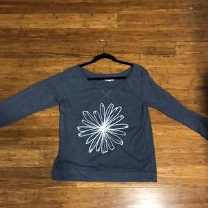Flower Graphic Long Sleeve Tee (blue/gray color)